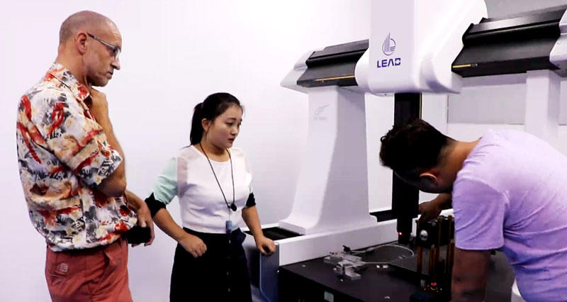 The 3DCMM machine operation showing